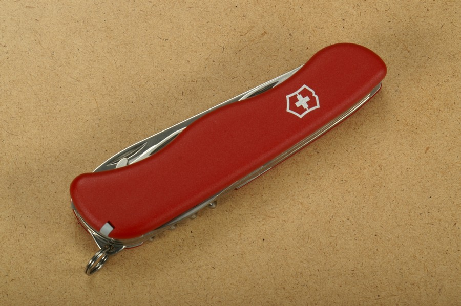 victorinox multitool outrider rot gro in blister. Black Bedroom Furniture Sets. Home Design Ideas